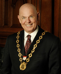 Mayor Larry and his necklace
